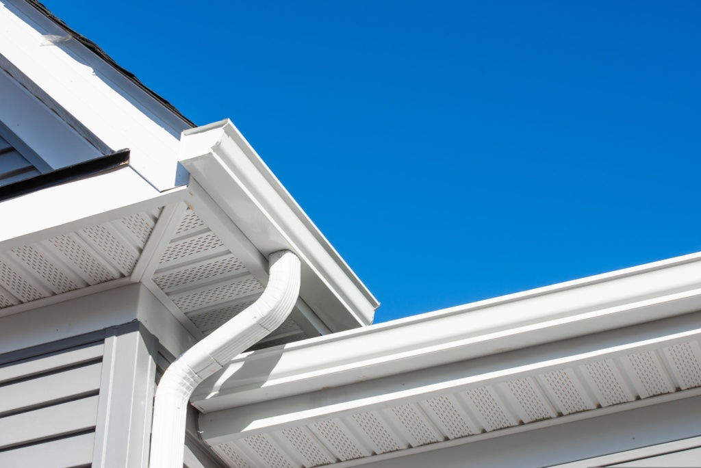 6 Signs You Need New Gutters This Spring